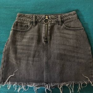 PacSun denim skirt with hoop on zipper size 23